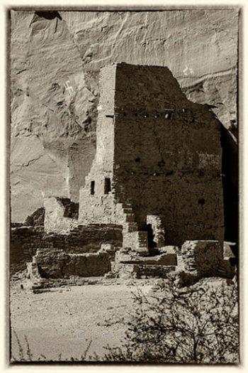 Antelope Ruins (B&W)