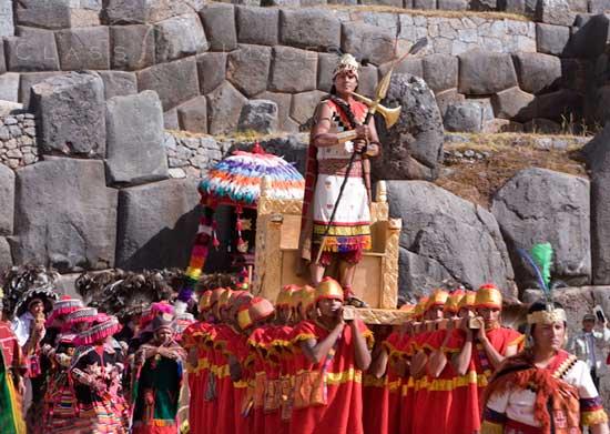 Inti Raymi Entrance Of The Inca King 550